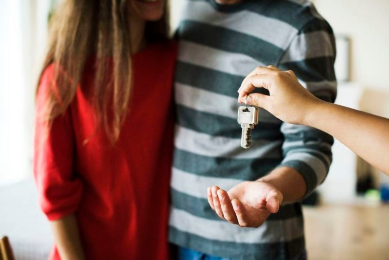Factors to Consider When Selling Your House Promptly