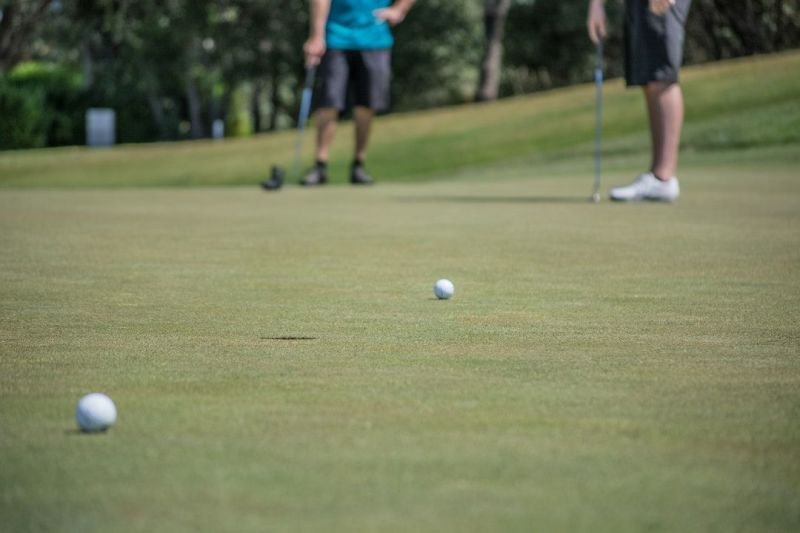 Merits Gained From Purchasing Golf Equipment From Online Stores