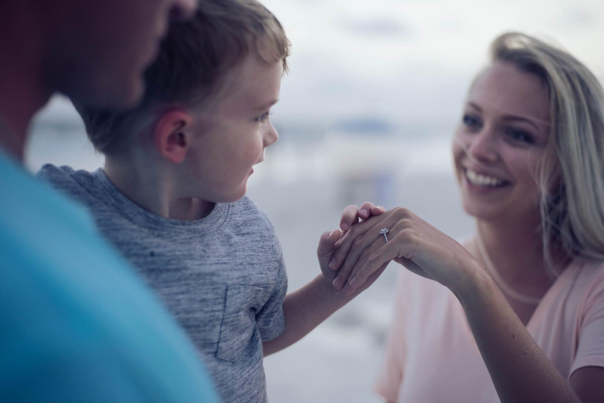 הורות צעירה, הורות למתבגרים, יחסים במשפחה, הורים וילדים