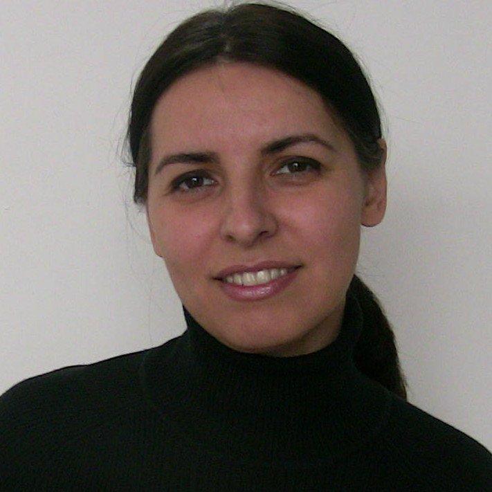 Dr. Adela Janas