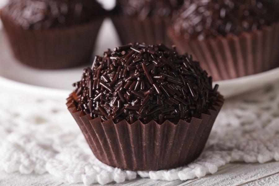 Τρουφάκια με Σοκολάτα τρούφα στιλπνή 58% χύμα