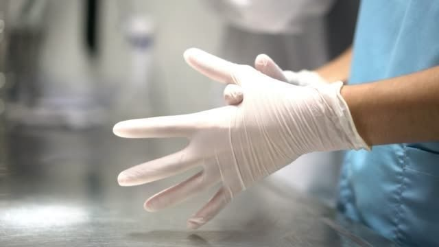 The Benefits of Using Latex Gloves