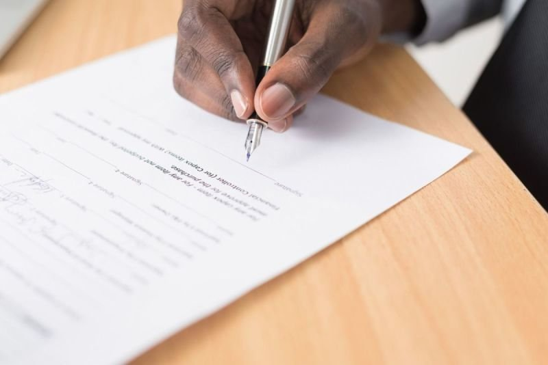 Contract & Documents