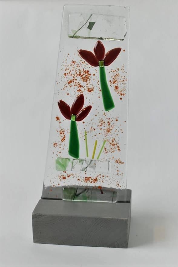פסל זכוכית עיצוב מקורי סילבינה כמתנה מיוחדת למשרד ולעובדים