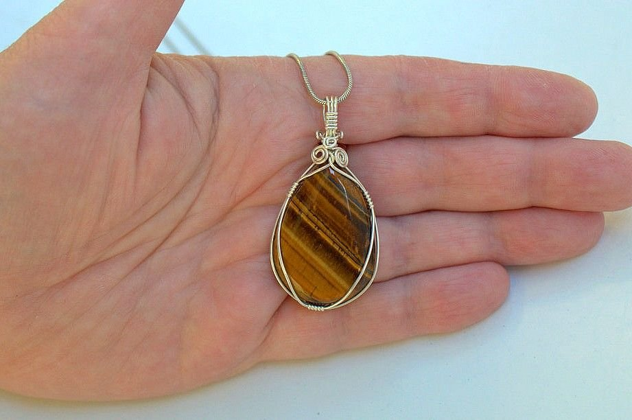 teardrop shape pendant tiger eye gemstone necklace