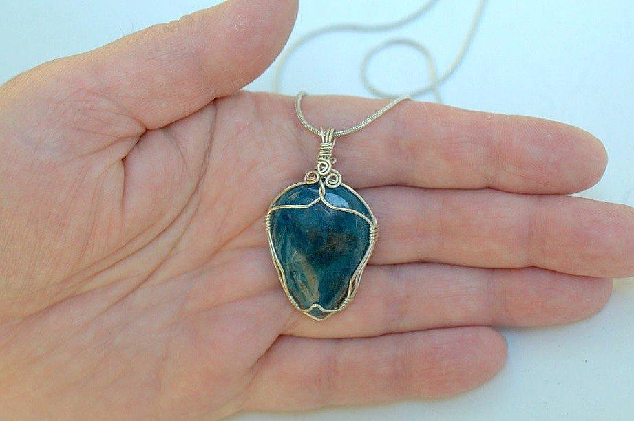 blue stone jewelry Apatite gemstone pendant necklace