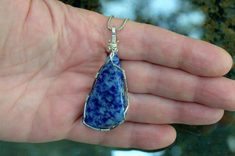 Blue quartz designed shape gemstone pendant