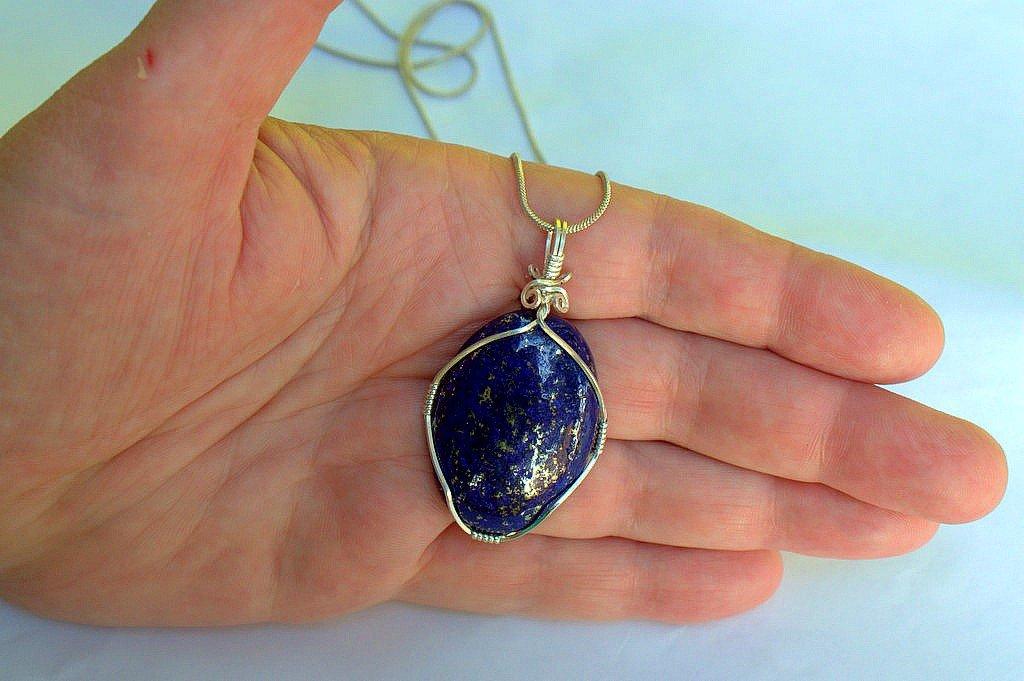 Shiny blue stone, Lapis lazuri gemstone pendant necklce