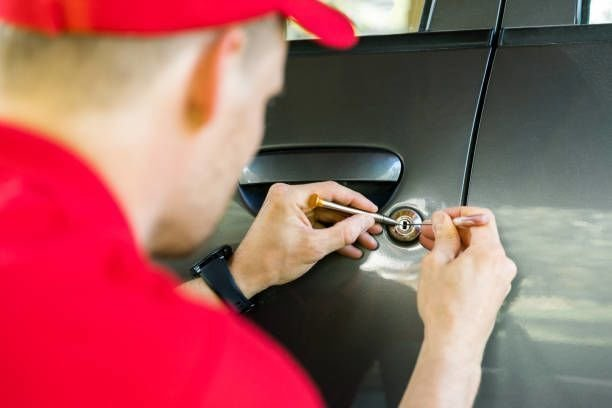 Key Details to Look at When Choosing the Best Auto Locksmith Services