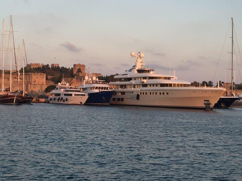 Mega Yacht Berths