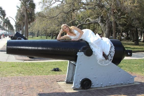 Charleston bridal portrait on Battery