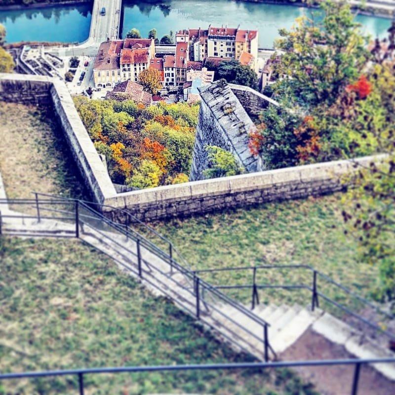 Grenoble en couleurs #9 vue sur le quartier Saint Laurent depuis la Bastille