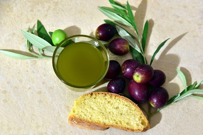 Olive Oil & Garlic Bread Dip