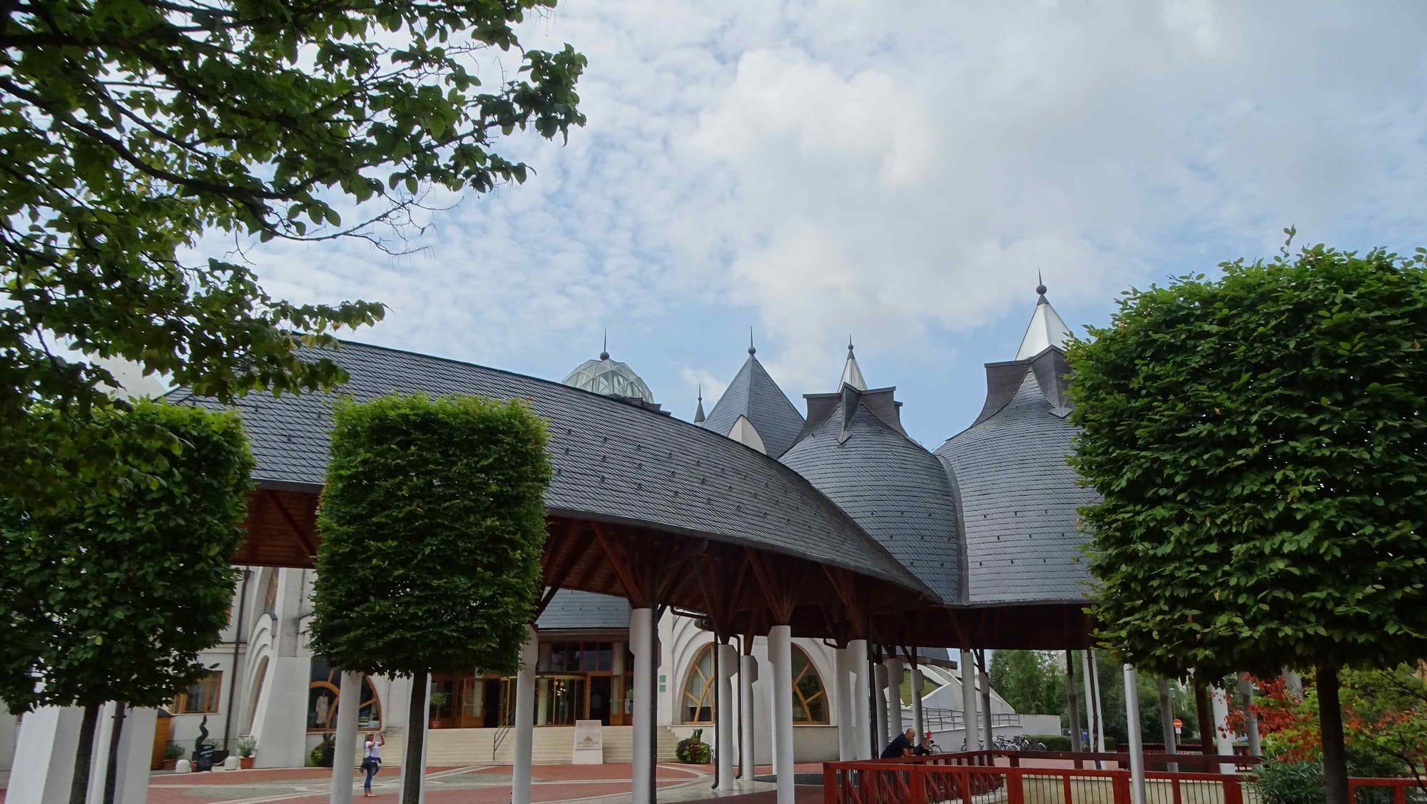 pavilionul muzical Mako
