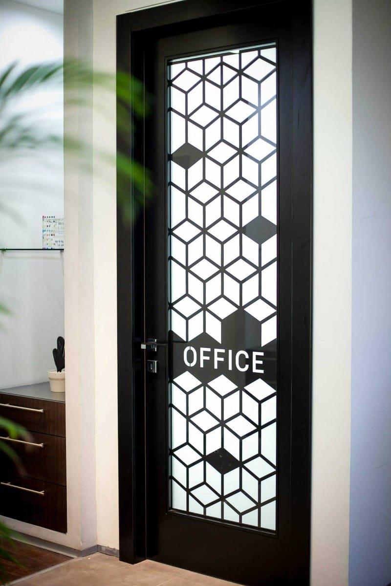 עיצוב דלת אופיס - בחיתוכי ליזר