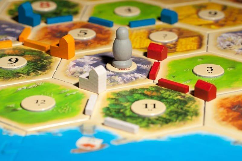 משחקי קופסא ואסטרטגיה