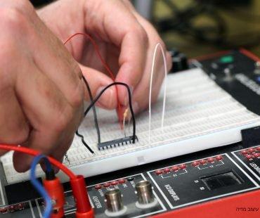 קורס יסודות אלקטרוניקה וחשמל