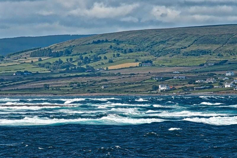 The Atlantic rolls into Bunatrahir Bay