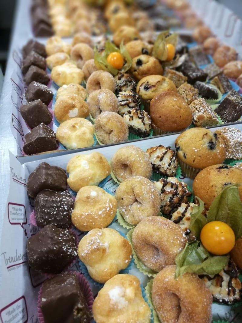Mini cakes platters