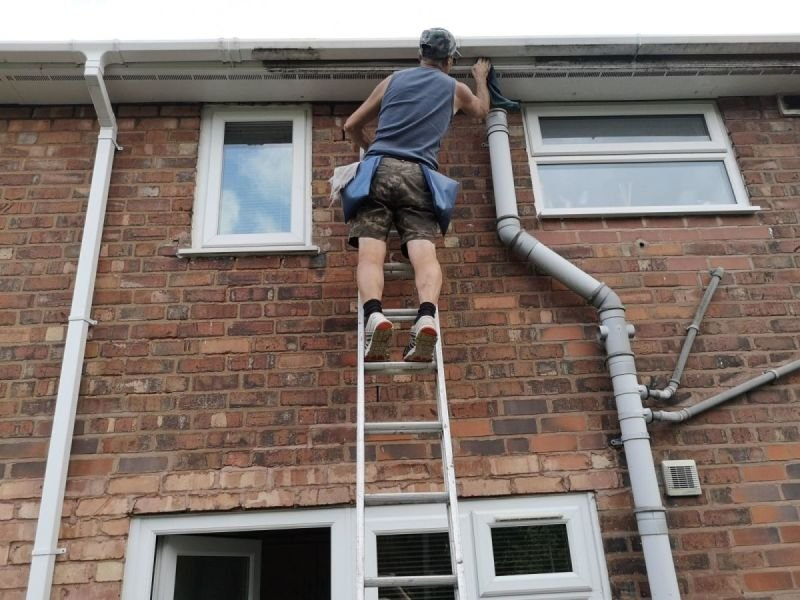 gutter and pipes cleaning