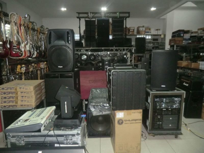 SOUND SYSTEM, LINE ARRAY, MIXER DIGITAL, ACCECSORIES