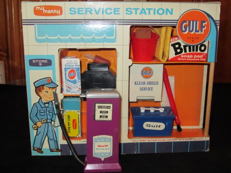 Miniature gas station