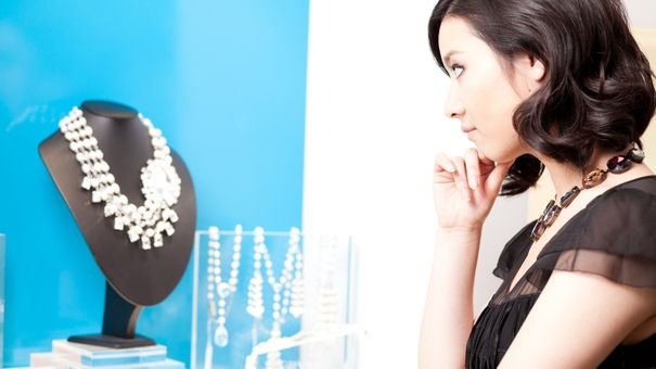 Tips To Shop In A Jewelry Store