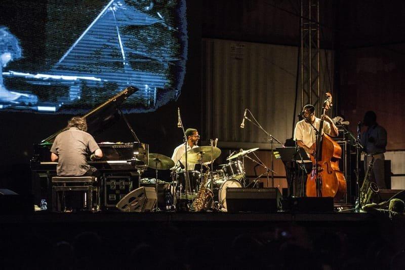 ניהול אולם ומתחם רחבת ציבורית | Red Sea Jazz Festival Eilat - פסטיבל ג'אז אילת 2017
