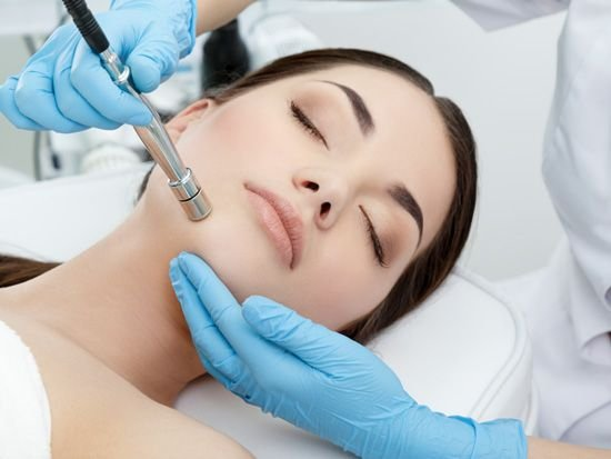 MICRODERMABRASION (Deep Cleansing, Removes Dead Cells, Refines expression lines & Wrinkles)