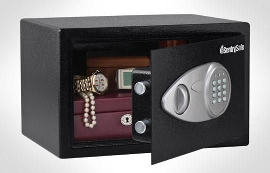 APARTMENTS WITH SAFES