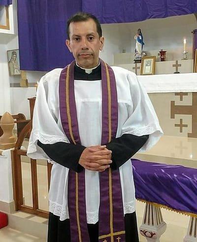 Padre Hernán Vergara