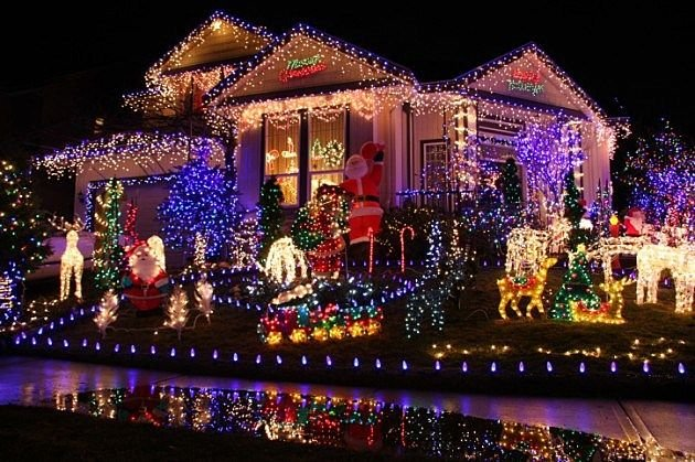 What Christmas Lighting Should You Get?