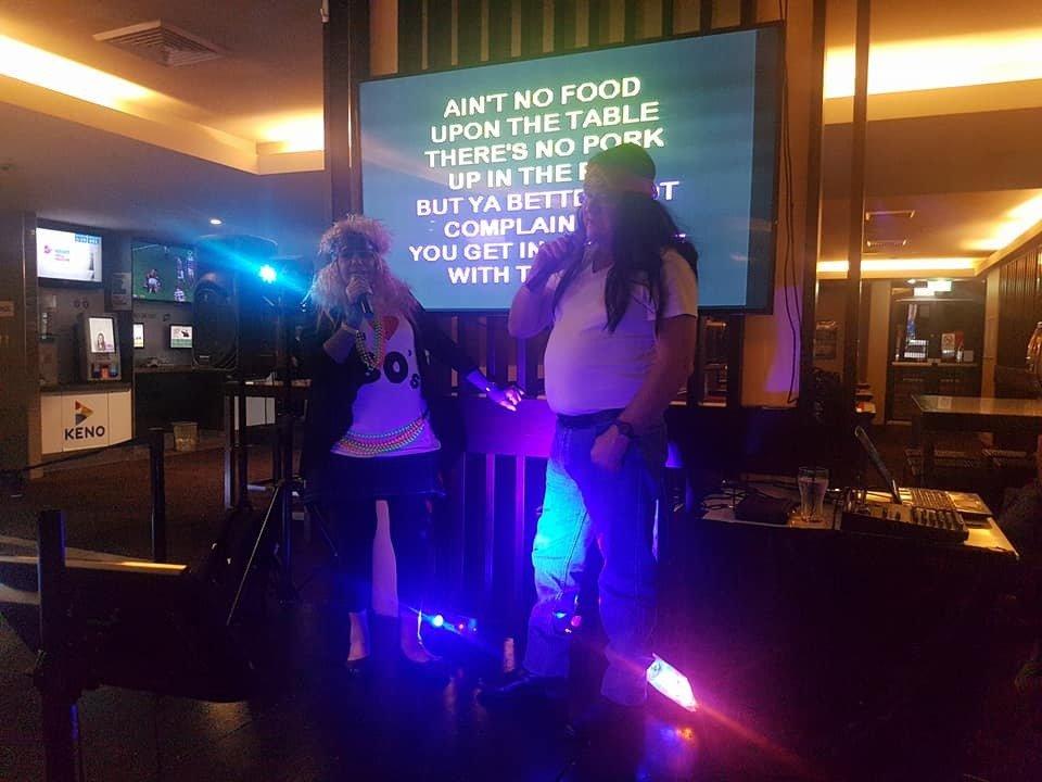 Aamazing Entertainment Karaoke Disco Trivia