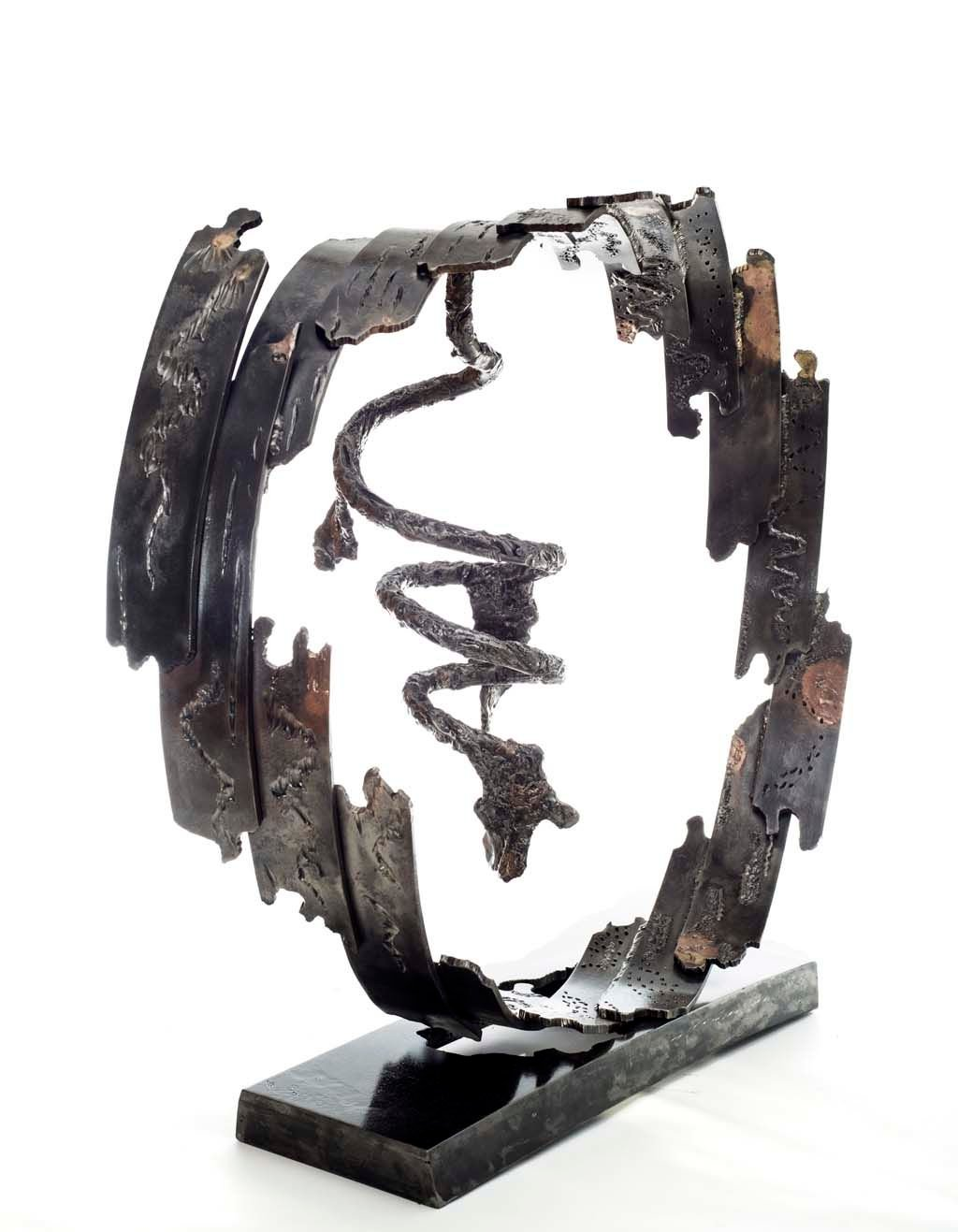Insights VII | 2014 | Iron & brass sculpture | 85x96x40 cm | Rami Ater