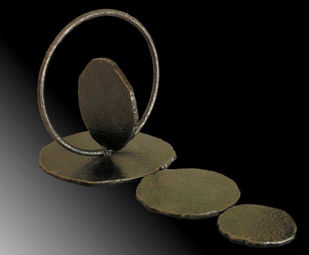 Infinity |2011 | Iron | 31x56x27cm | Rami Ater