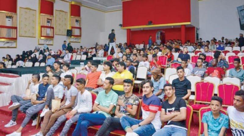 يمنيون يجدون سلواهم من الحرب العدوانية ضد بلدهم في السينما