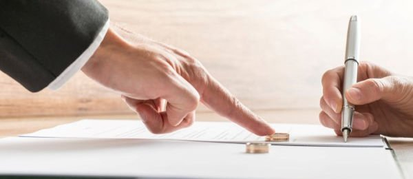 How to Select an Outstanding Divorce Legal Advisor