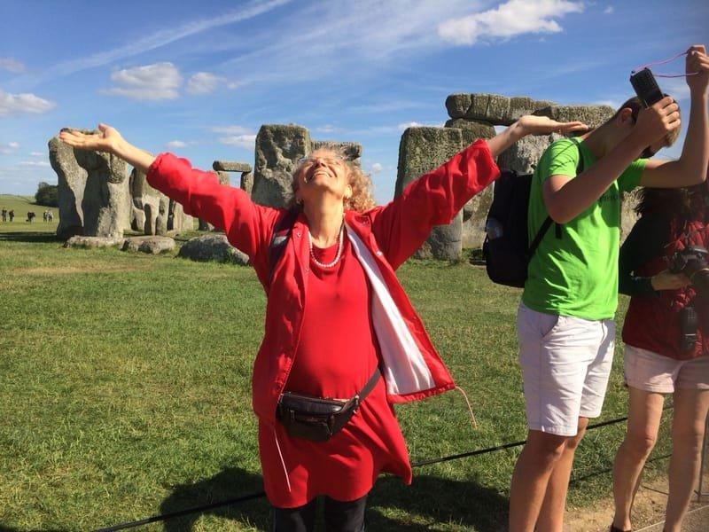 תקווה אברהם בסטונהיינג' אנגליה יוני 2018