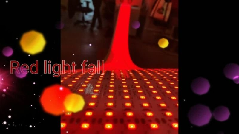 מפל תאורת לדים אדומים בבדיקה