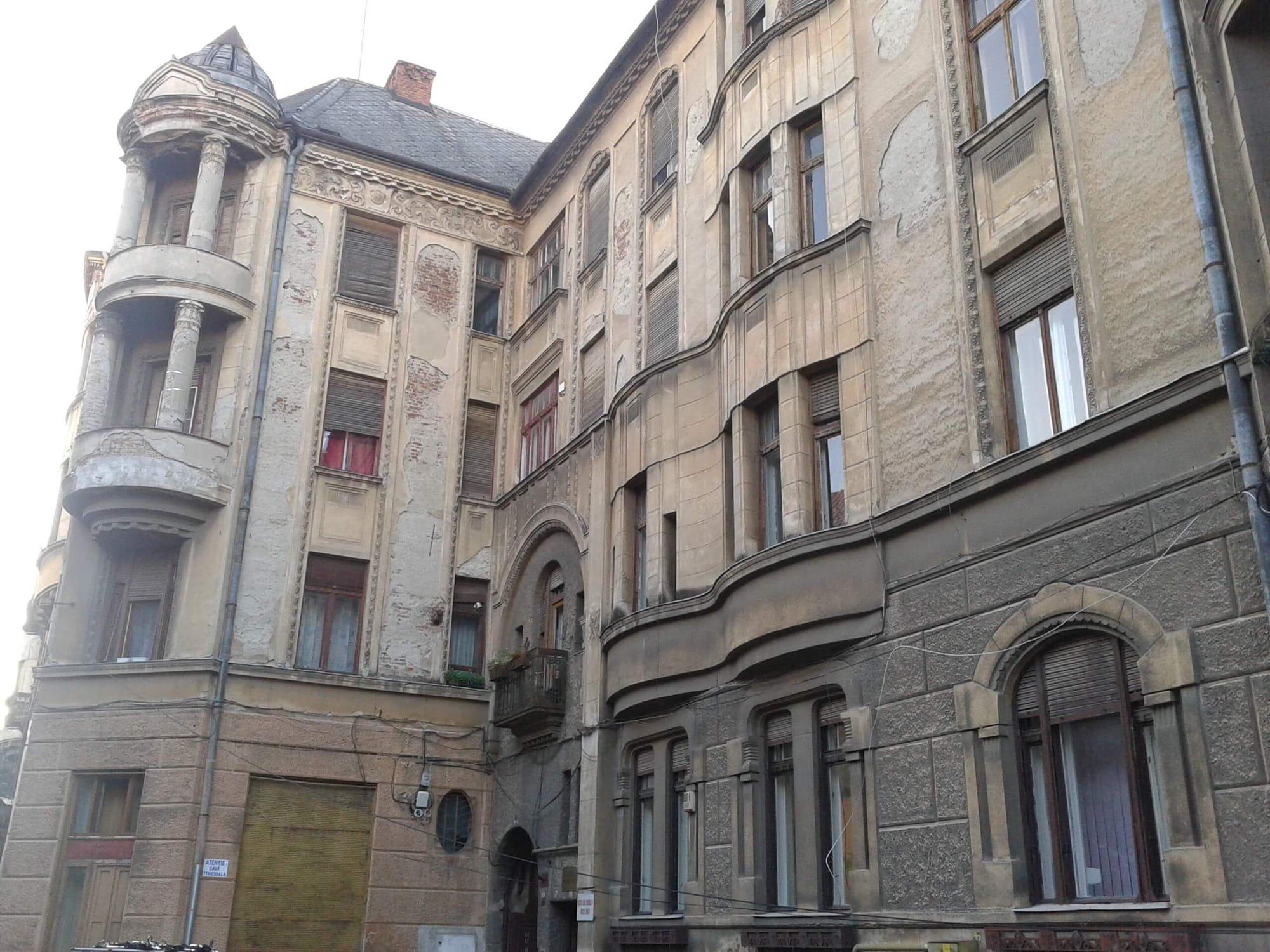 Intrare principala Palat Bohus