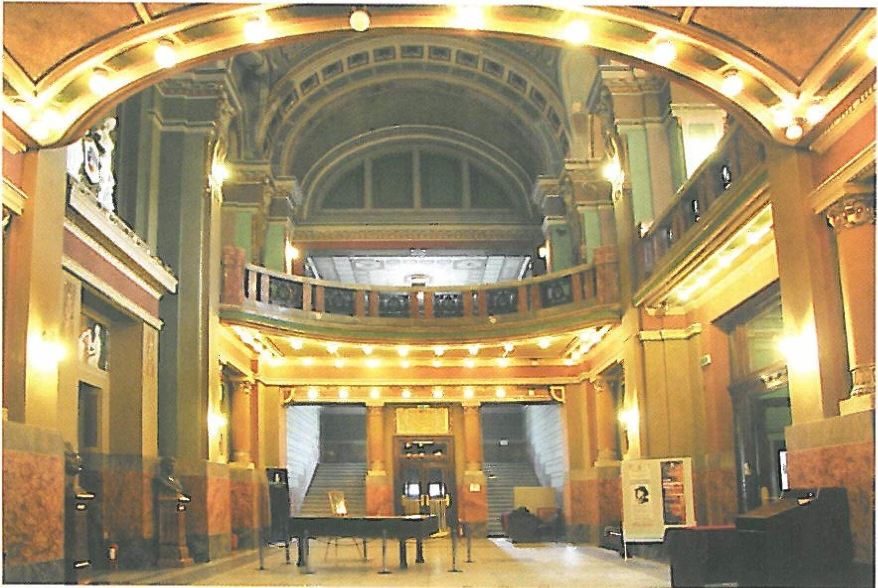 holul Palatului Cultural Arad