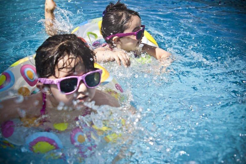 Lundar Community Swimming Pool