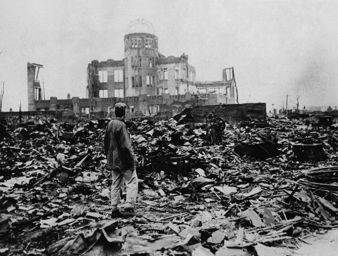 the story of six people who survived the atomic disaster in the book hiroshima On august 6, 1945, the first atomic bomb is dropped from an american plane on the 245,000 residents of hiroshima, japan most of the city is destroyed and thous.