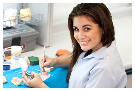 Tips to Consider When Selecting a Cosmetic Dentist