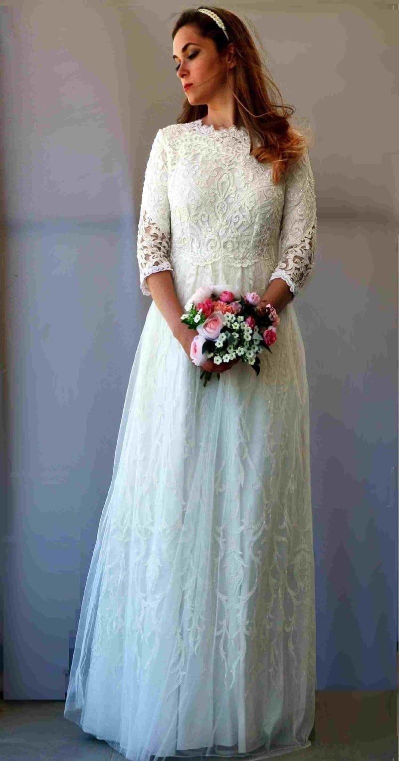 שמלה כלה צנועה עם שרוולים  דגם 109