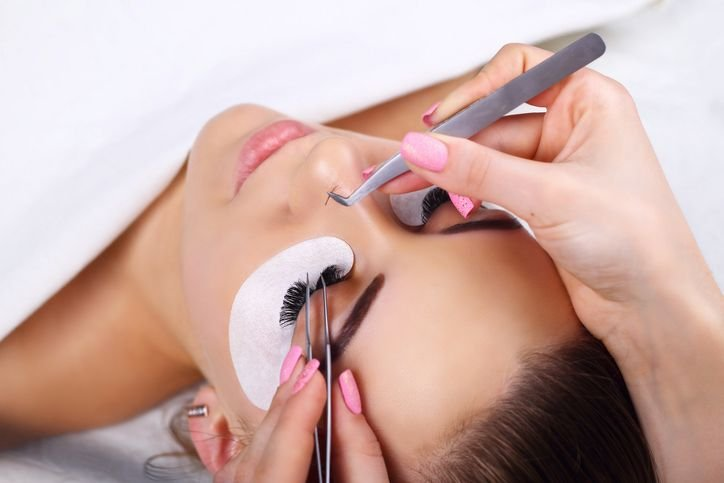 What You Should Know About Eyelashes Extensions?