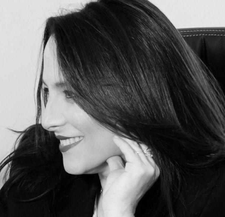 """עו""""ד ונוטריון רות אלדן אורנשטיין - מגשרת, מייסדת ומנהלת המרכז"""