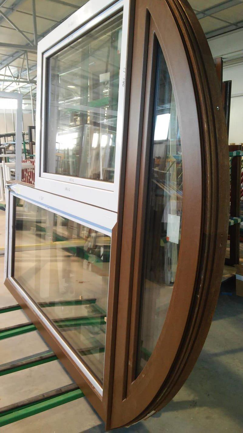חלונות/דלתות עם קשתות