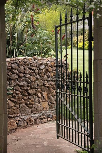 Find Out About The Good Things that Come From Buying Swing Gates