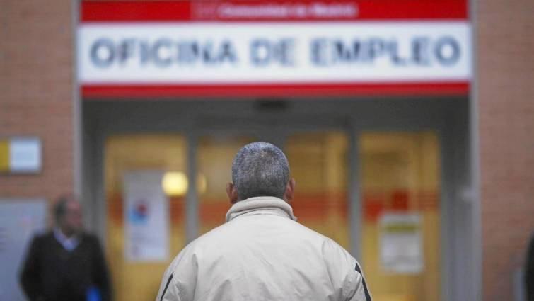 Empleo elevará hasta 72 meses el subsidio al paro de larga duración